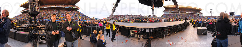U2 in Winnipeg panoramic